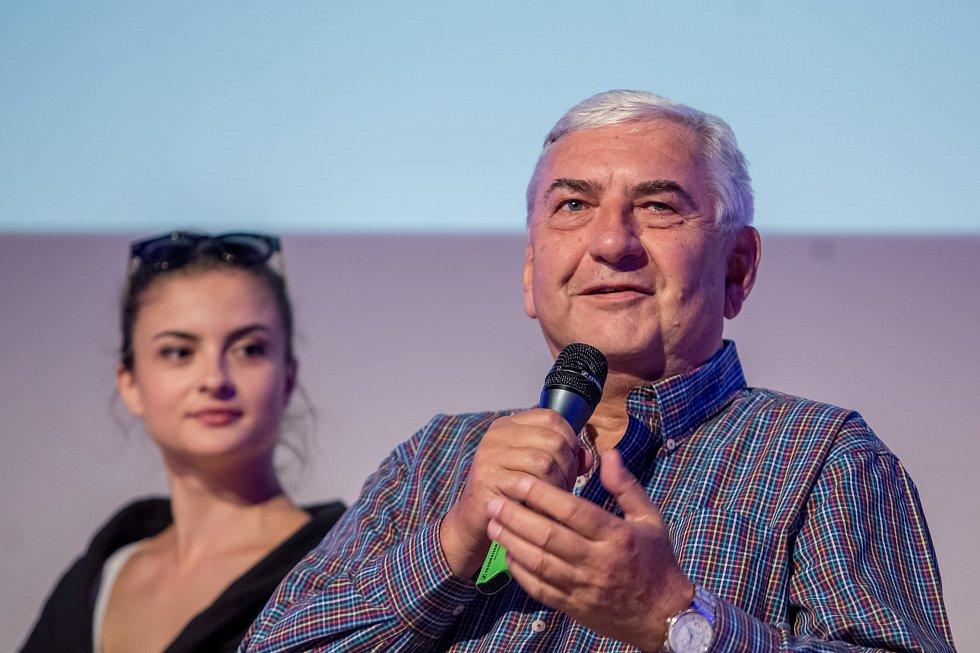 herci Eva Josefíková a Miroslav Donutil