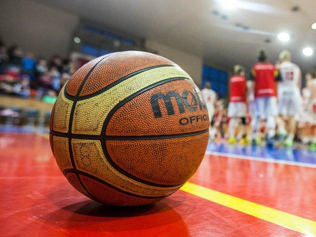 Ženský basketball. Ilustrační foto.