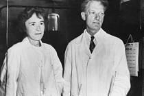 Carl Cori a jeho manželka Gerty Theresa Coriová.
