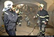 SOUKENICKÁ 25. V domě, který právě procházel rekonstrukcí, se na dělníky zřílily tři patra.