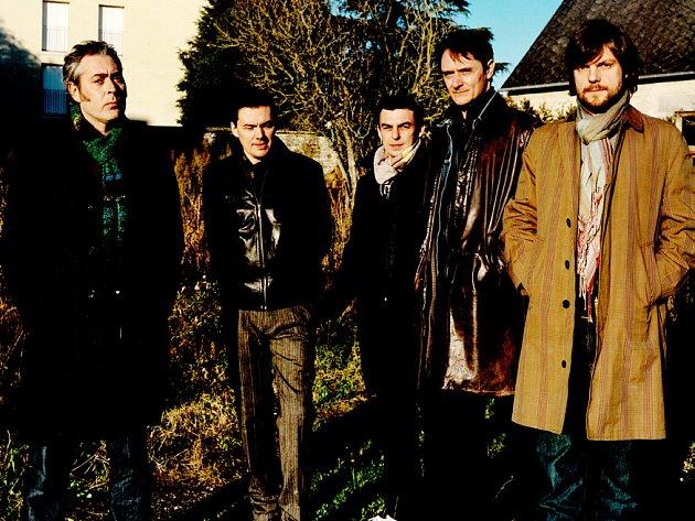NOVÝ ZAČÁTEK. Znovuzrozená kapela Tindersticks se představí ve středu 3. prosince v Arše.