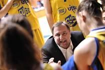 Kromě druholigového fotbalu na Dukle lze dnes navštívit i první vzájemný semifinálový souboj basketbalistek USK Praha a Trutnova./Ilustrační foto