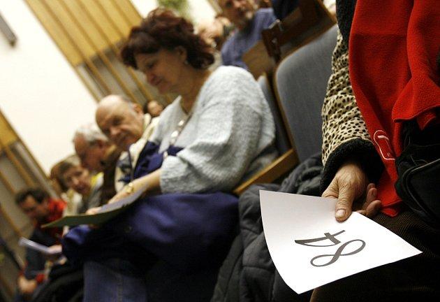 Lidé nespokojení s bytovou politikou Prahy 3 uspořádali 19. února 2009 ustavují schůzi občanského sružení Žižkov nejen sobě.
