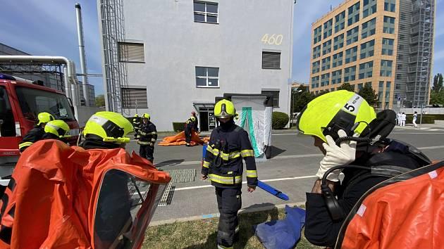 Zásah hasičů v Dolních Měcholupech.