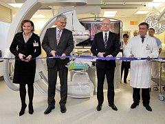 Všeobecná fakultní nemocnice v Praze otevřela nově zrekonstruovanou srdečné katetrizační laboratoř.