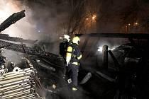 Hasiči zasahovali u požáru stodoly v Lahovicích.