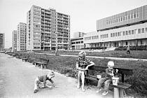 První nájemníci se stěhovali na Jižní město v polovině roku 1976.
