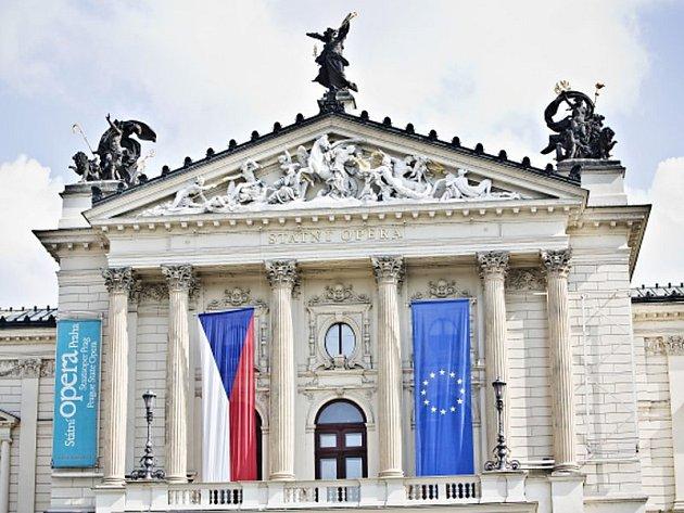 Budova Státní opery v Praze.