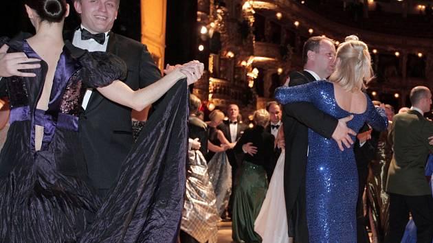 57e71b520013 Ples v Opeře 2014. Státní opera Praha 8.února ...