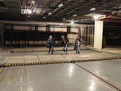Den pod zem – podzemní prostory pod Národním divadlem.