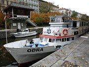 Smíchovská plavební komora je podle Ředitelství vodních cest České republiky nejvytíženější ve střední Evropě. Její kapacita nedostačuje dnešním potřebám a proto na úrovní Smíchova vznikne nové, menší zdymadlo.