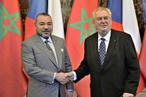 Prezident Miloš Zeman (vpravo) se v pondělí 21. března 2016 na Pražském hradě setkal s marockým králem Muhammadem VI.