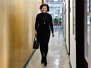 Radmila Kleslová byla označována za nejvlivnější ženu pražské politiky. I když kvůli kauze odměn ze státních a městských firem opustila veřejné funkce, její vliv prý zůstává značný. O její působení se ve firmách zajímala policie a státní zastupitelství.