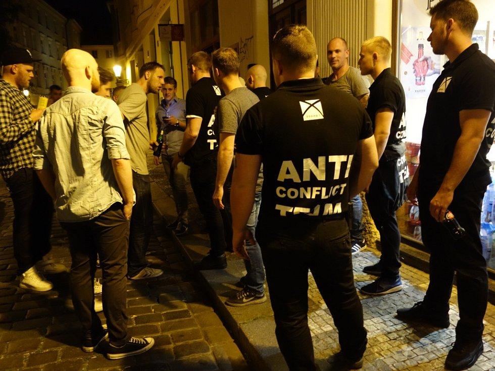 Antikonfliktní tým v akci.
