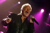 TOM JONES. Devětašedesátiletá hvězda na pražském koncertu v O2 areně ani v nejmenším nezklamala.