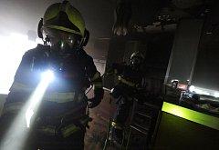Požár v kuchyni ve Stodůlkách.