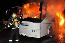 Plameny si vyžádaly hmotné škody, které podle předběžných odhadů převýšily dva miliony korun.