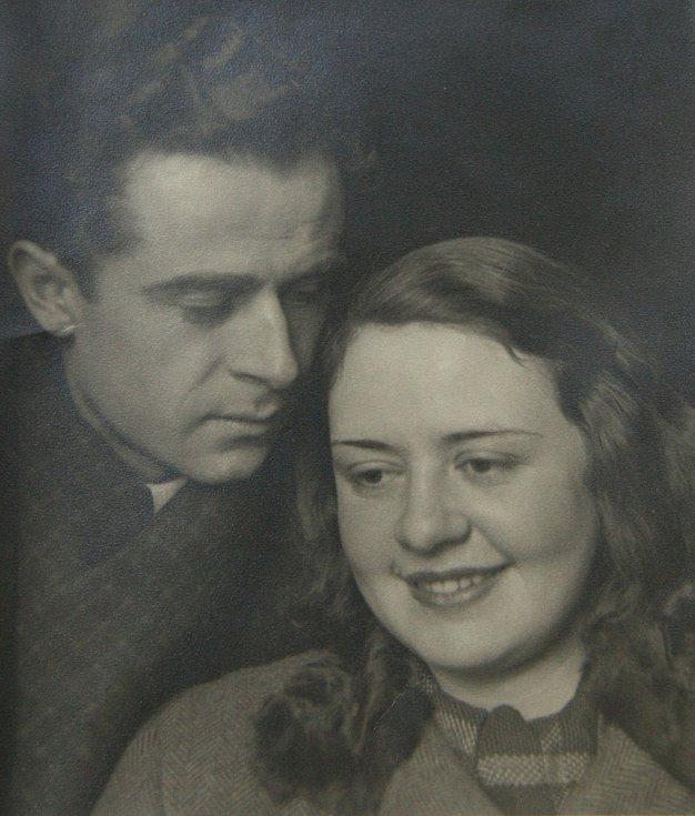 Sestra Hana s manželem Karlem Kumperou.