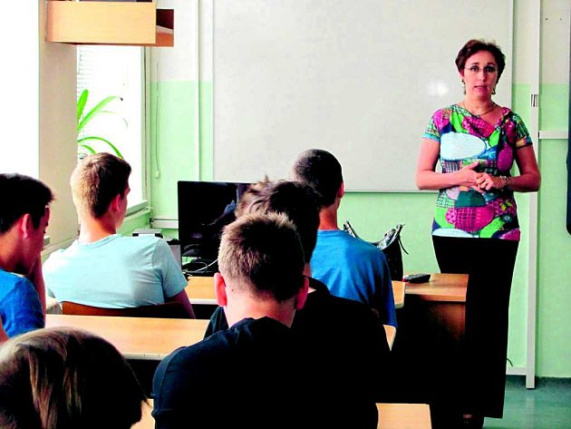 Jana Merunková se svými žáky.