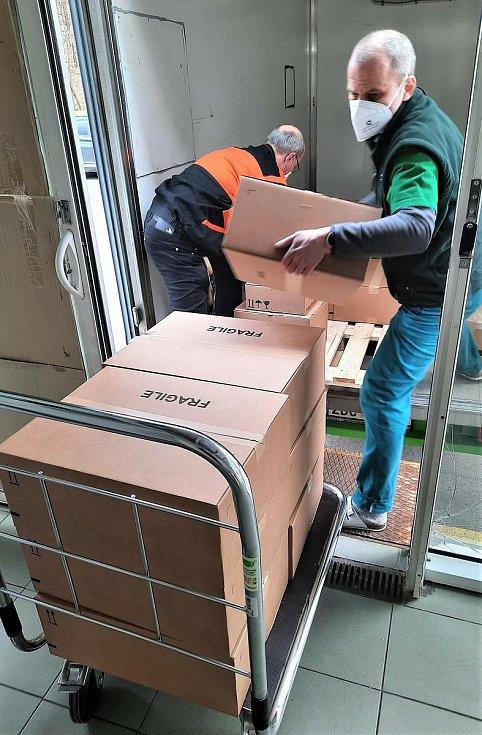 Dodávky amerického léku bamlanivimab ve Fakultní Thomayerově nemocnici.