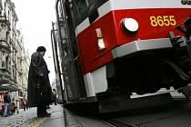 ZAČAL UŽ ŠKOLNÍ ROK? Dopravní podnik přichystal na počátek září další změny v pražské dopravě. Ruší se jedna tramvajová linka, intervaly nebo trasa se mění u osmdesáti spojů.