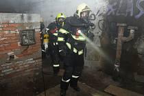 Cvičení hasičů na Letné