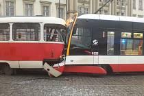 V Praze na Pohořelci se 10. ledna 2020 odpoledne střetly dvě tramvaje. Při nehodě nebyl nikdo zraněn, uvedla policie na twiteru