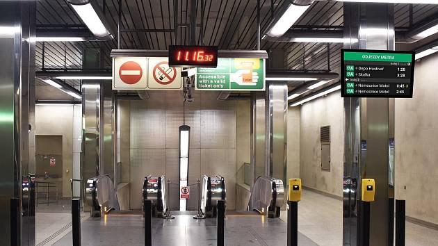 Praha chce zavést jednotný informační systém s on-line odjezdy spojů přímo ve vozidlech či před vstupy do metra jako jinde v Evropě.