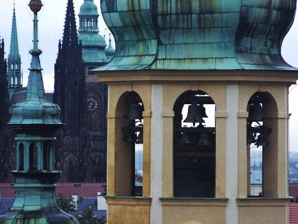 Zvonohra v pražské Loretě mění po 100 letech melodii.