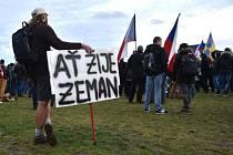 Shromáždění na podporu prezidenta Zemana.