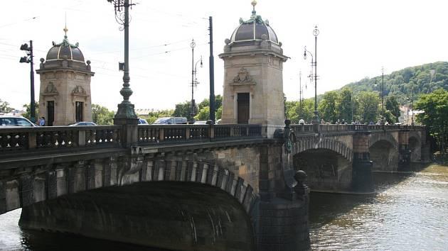 Most Legií.