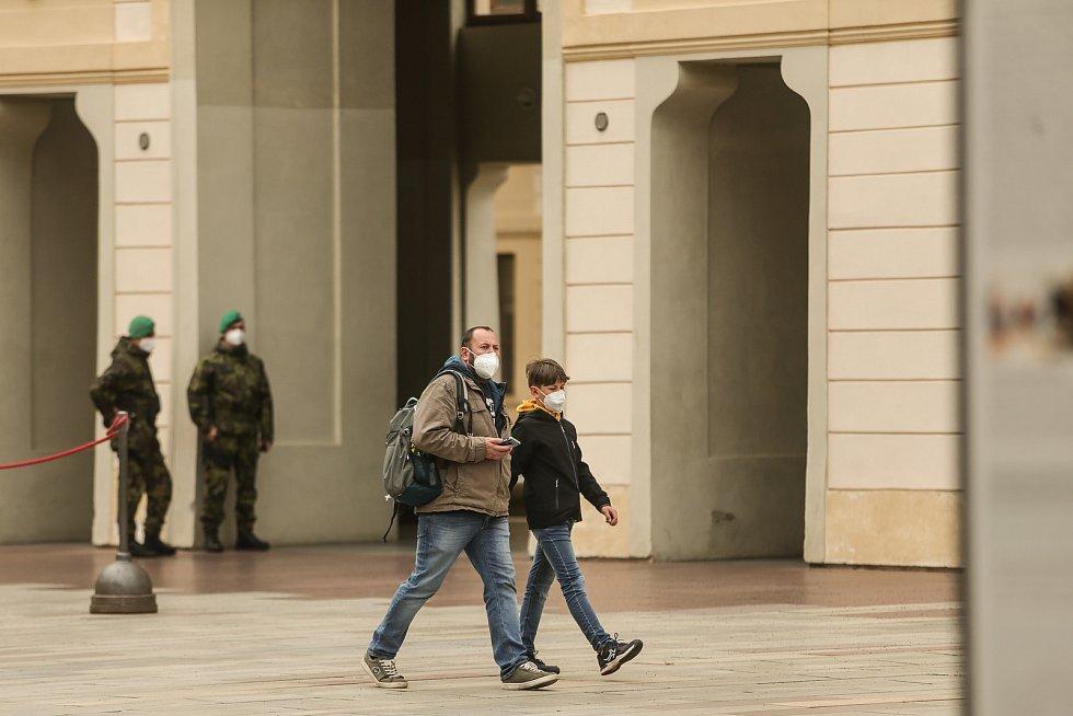 Pražský hrad je opět otevřen.