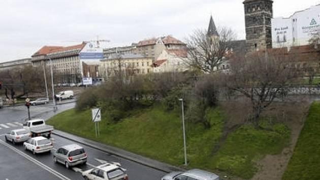 Předpolí Štefánikova mostu.