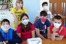 Předání ochranných pomůcek v Dětském domově v Prostějově