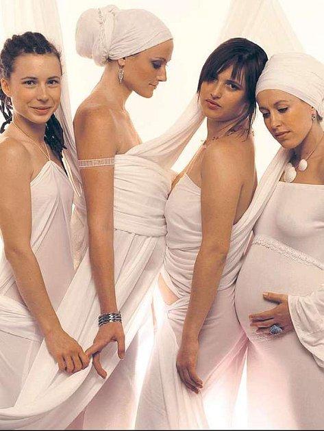 Skupina Yellou Sisters pokřtí během festivalu ohněm své první DVD.