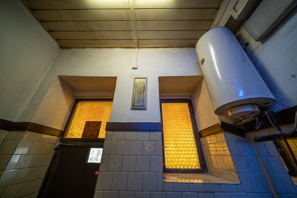 Toalety na Masarykově nádraží v Praze před rekonstrukcí.
