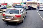 Pražští policisté pronásledovali zlatou audinu, která ujížděla v protisměru a nerespektovala světelné výstražné znamení.
