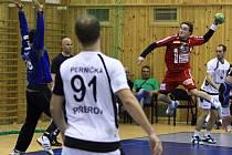 NAPRAVÍ ÚVODNÍ PORÁŽKU? Takto překonával Jakub Kastner v loňské sezoně obranu Přerova. Prosadí se i proti Jičínu?