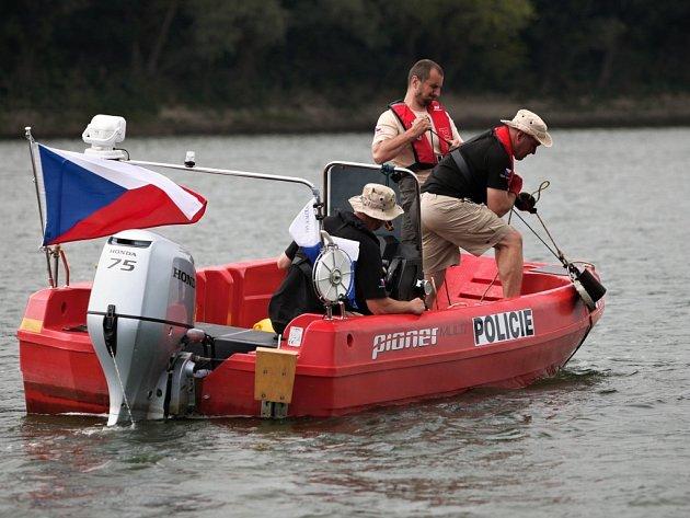 Policejní potápěči pomáhali už posedmé v Bosně a Hercegovině v odminování řeky Sávy.