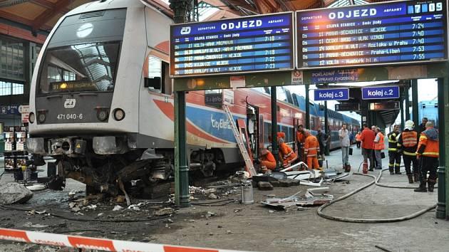 Vážná nehoda uzavřela v noci na středu 15. července 2015 Masarykovo nádraží v centru Prahy. Souprava CityElefant přijíždějící do Prahy z Českého Brodu nezabrzdila, prorazila zarážedlo a zastavila se až v nádražní budově.