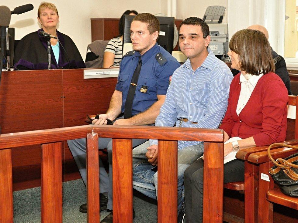 Z vraždy 81leté matky své bývalé přítelkyně se před Městským soudem v Praze zpovídal 37letý Bulhar Rosen Dimitrov Mitkov.