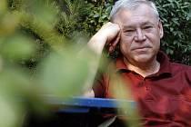 Psycholog PhDr. Karel Humhal.