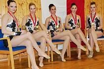 MEDAILISTKY. Závodnice Vodních staveb Monika Čápová, Kateřina Blažková, Anežka Šťástková, Linda Kotrbatá a Gabriela Davidová (zleva) získaly bronz v Českomoravském poháru.