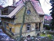 V březnu 2015 získala společnost Rentalkon a.s. stavební povolení na výstavbu nového domu s 10 byty. Novostavba má stát na místě dnes již zbourané drobné vilky v ulici U Pernikářky 7.