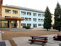 Základní škola U Obory v Uhříněvsi. Ilustrační foto.