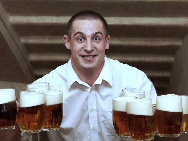 U Pinkasů zdolávali výčepní schody s půllitry piva