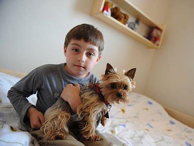 KAMARÁD. I když se o děti v ústavu starají na české podmínky nadstandartně, rodinu jim nahradit nemohou.