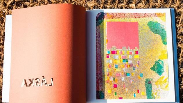 Typografické básně Václava Havla Antikódy jsou doprovozeny litografiemi mladého úspěšného malíře Štefana Tótha