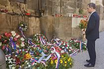 Pražský primátor Zdeněk Hřib (Piráti) čelí kritice ODS, že se nezúčastnil oficiální pietní akce 77. výročí boje parašutistů proti nacistické přesile v Resslově ulici.