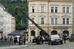 V Praze pokračuje natáčení špionážního thrilleru Gray Man s Ryanem Goslingem a Chrisem Evansem v hlavních rolích. Jde o nejdražší projekt stramovací služby Netflix.